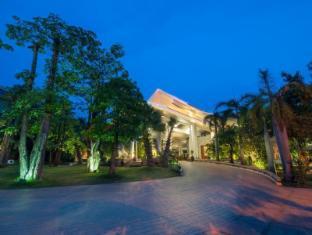 Borei Angkor Resort & Spa Siem Reap - Hotel Exterior