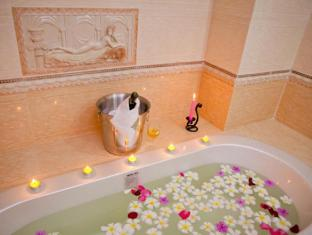 Golden Sand Hotel Sihanoukville - Bathroom
