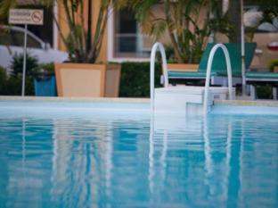 Golden Sand Hotel Sihanoukville - Swimming Pool