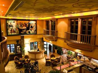 Merdeka Palace Hotel & Suites Kučingas - Restoranas