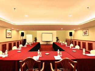 Merdeka Palace Hotel & Suites Kučingas - Susitikimų kambarys
