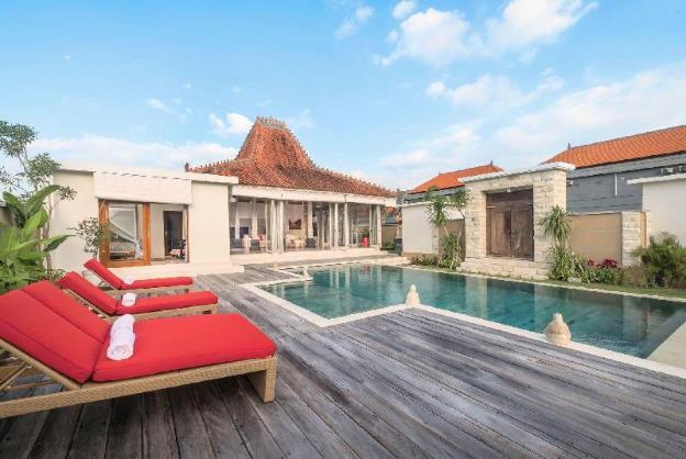 Villa Manggala near Berawa Beach Finn's VIP Access