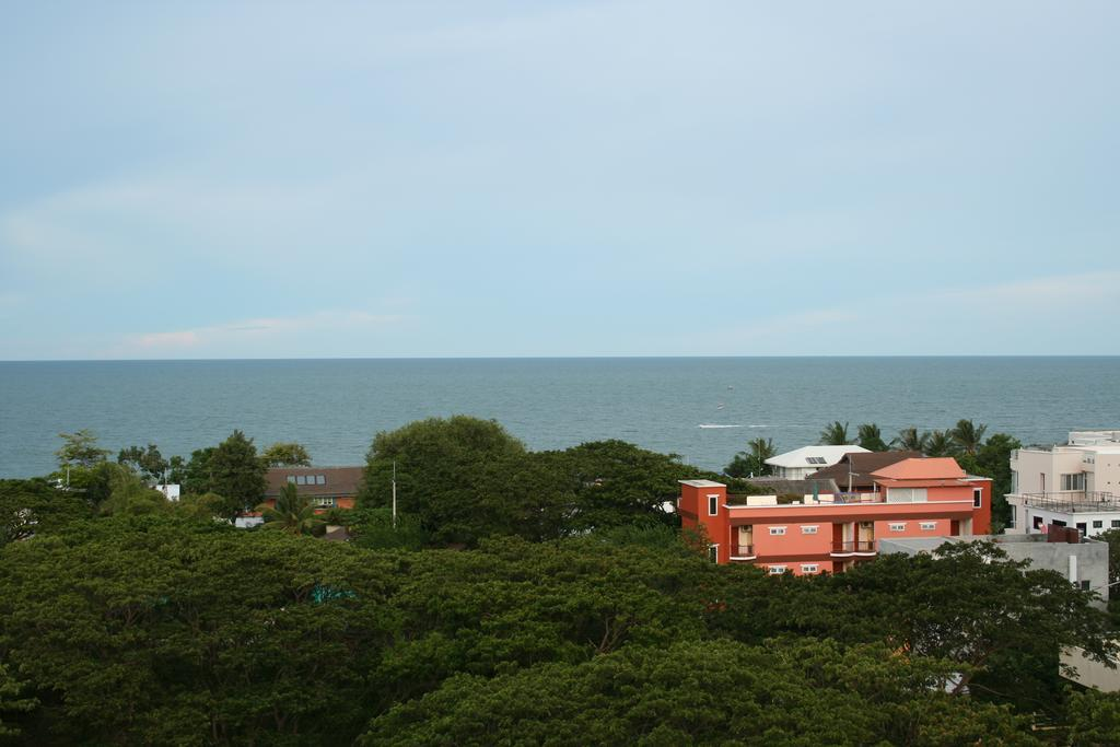 Huahin Beach Rocco Condo Studio 8th Floor Sea View