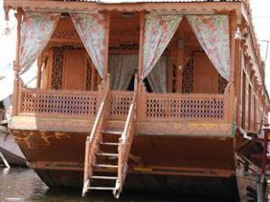 Dilshad Group of Houseboats