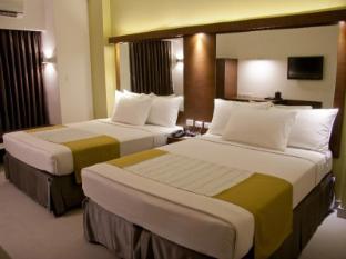 Microtel by Wyndham Acropolis Manila - Double Room