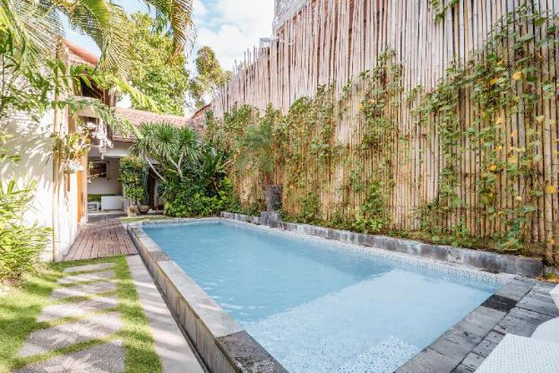 Comfortable, quiet, and affordable villa with private pool close to Double Six Beach