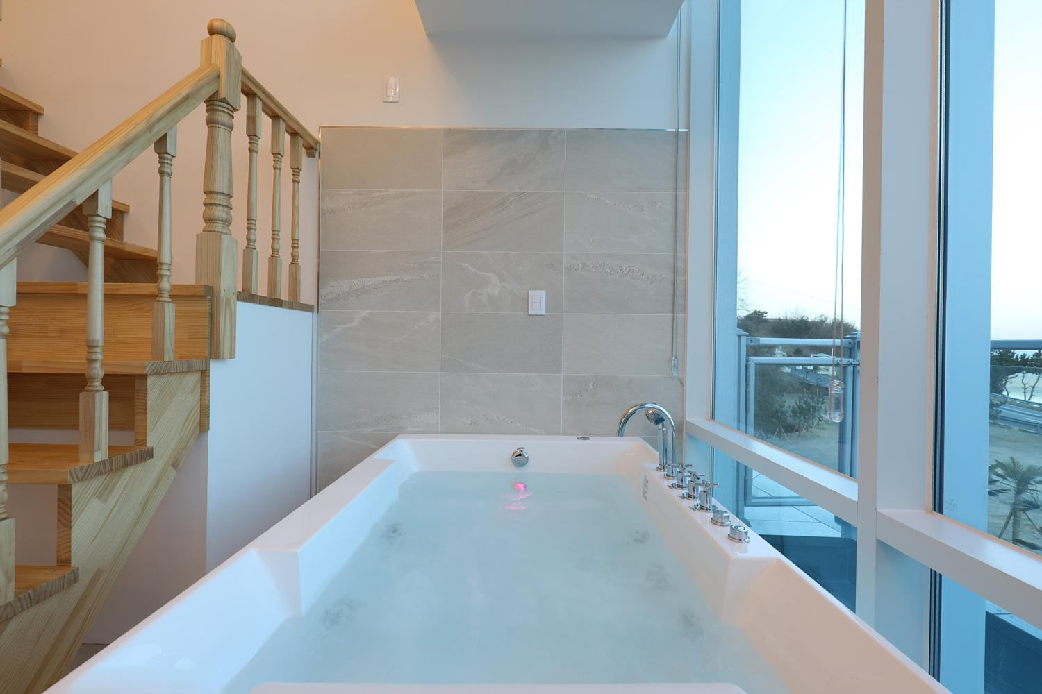 Review Gangneung HillinghyeonA203(spa)