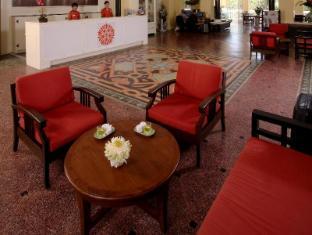 The Front Village Hotel Phuket - Predvorje