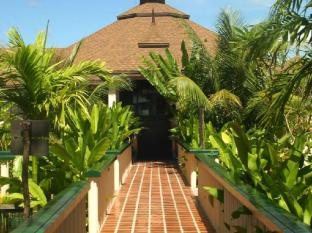Mangosteen Resort & Ayurveda Spa Phuket - Surroundings