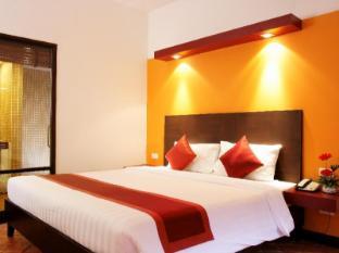All Seasons Naiharn Phuket Hotel Phuket - Pokój gościnny