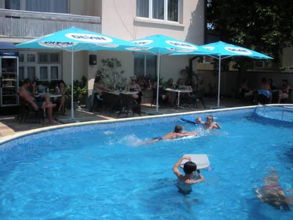 Peshev Family Hotel Nesebar
