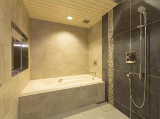 Narita Excel Hotel Tokyu Tokyo - Bathroom
