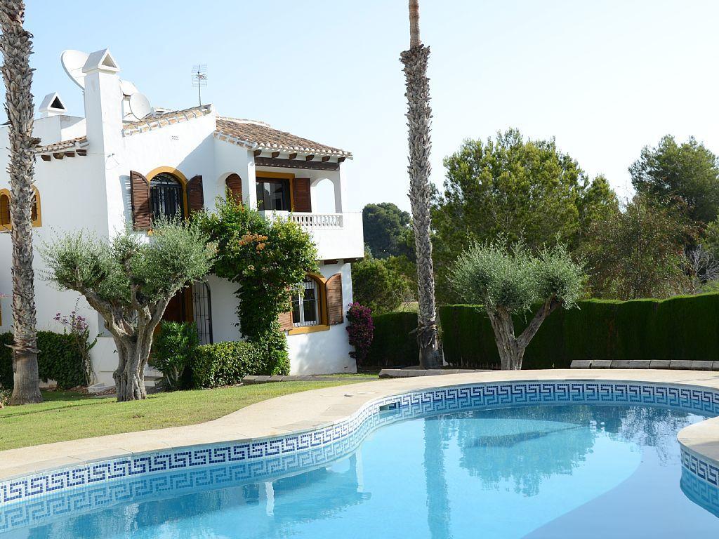 Costa Blanca Villa With Golf And Bath