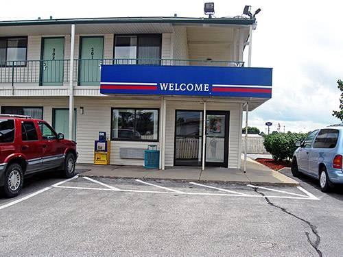 Motel 6 Des Moines South   Airport