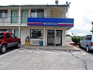Motel 6 Des Moines South -Airport