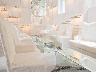 La Maison Champs Elysees Paris - White Salon