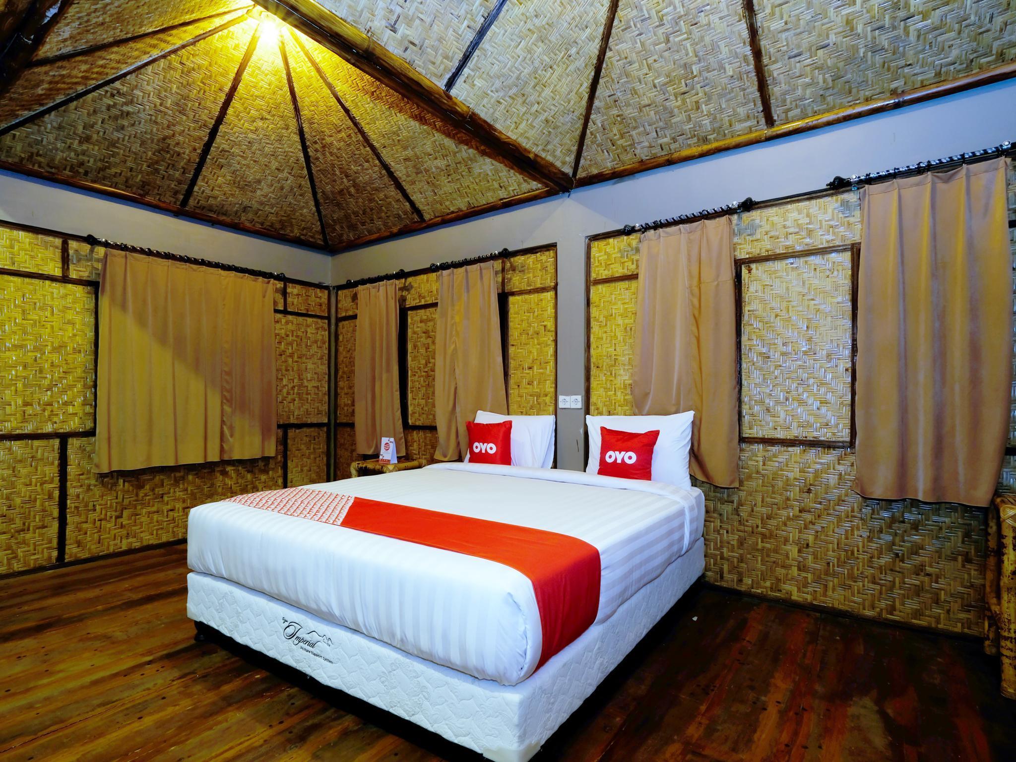 OYO 1835 Surya Mandalika Hotel