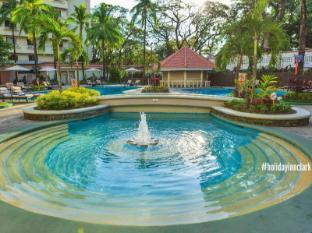 Holiday Inn Clark 安吉利斯/克拉克 - 游泳池