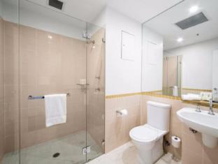 Metro Hotel On Pitt Sydney - Bathroom