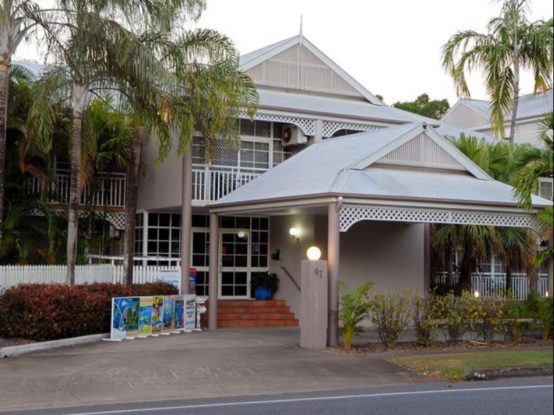 Reef Palms Motel Apartments