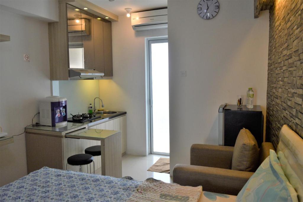 Bassura City Apartment By Roomku   Studio Unit 5