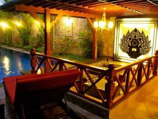 Ari Putri Hotel بالي - حمام السباحة