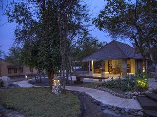 NusaBay Menjangan Resort by WHM