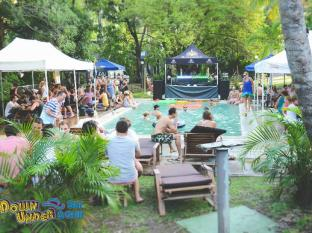 Base Airlie Beach Resort Whitsunday Islands - בריכת שחיה