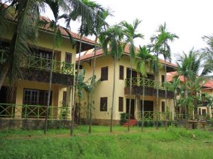 Waterside Resort & Spa