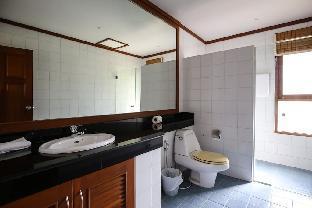 3 Bed Villa Beach Front Resort TG25