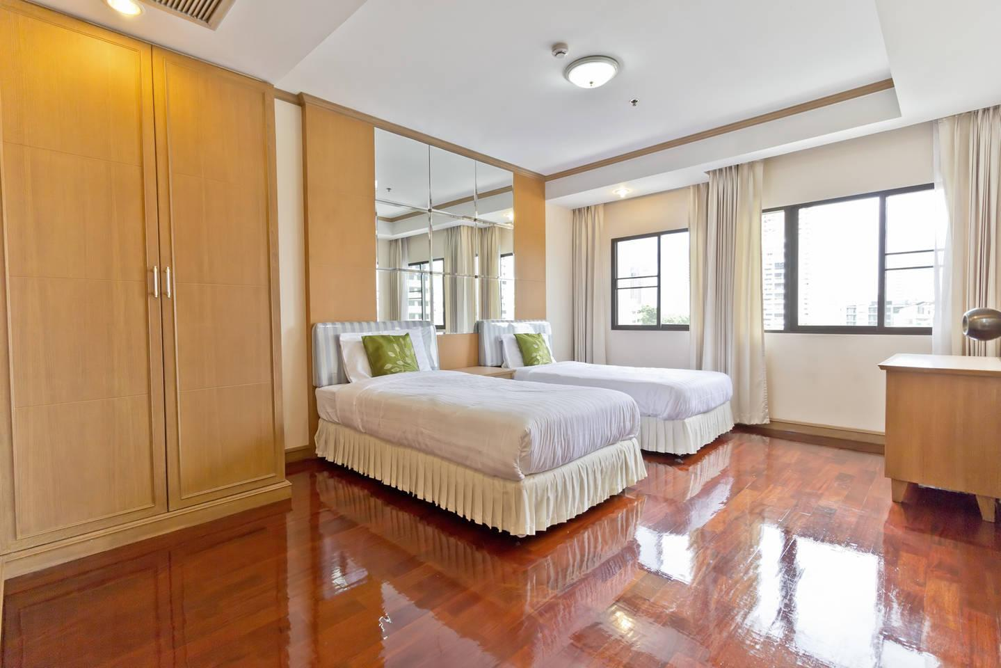 2 Nice And Cozy Bedroom In Thong Lo