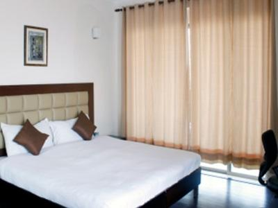 Laurent And Benon Urban Courtyard Serviced Apartments