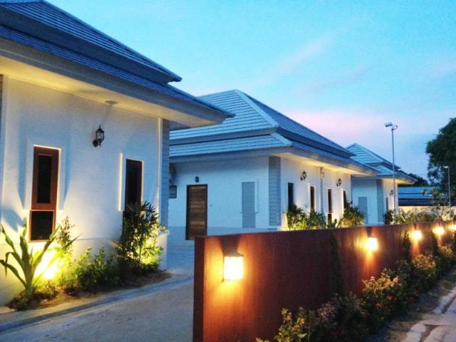 เดอะ ซิกเนเจอร์ รีสอร์ท บางแสน – The Sixnature Resort Bangsaen