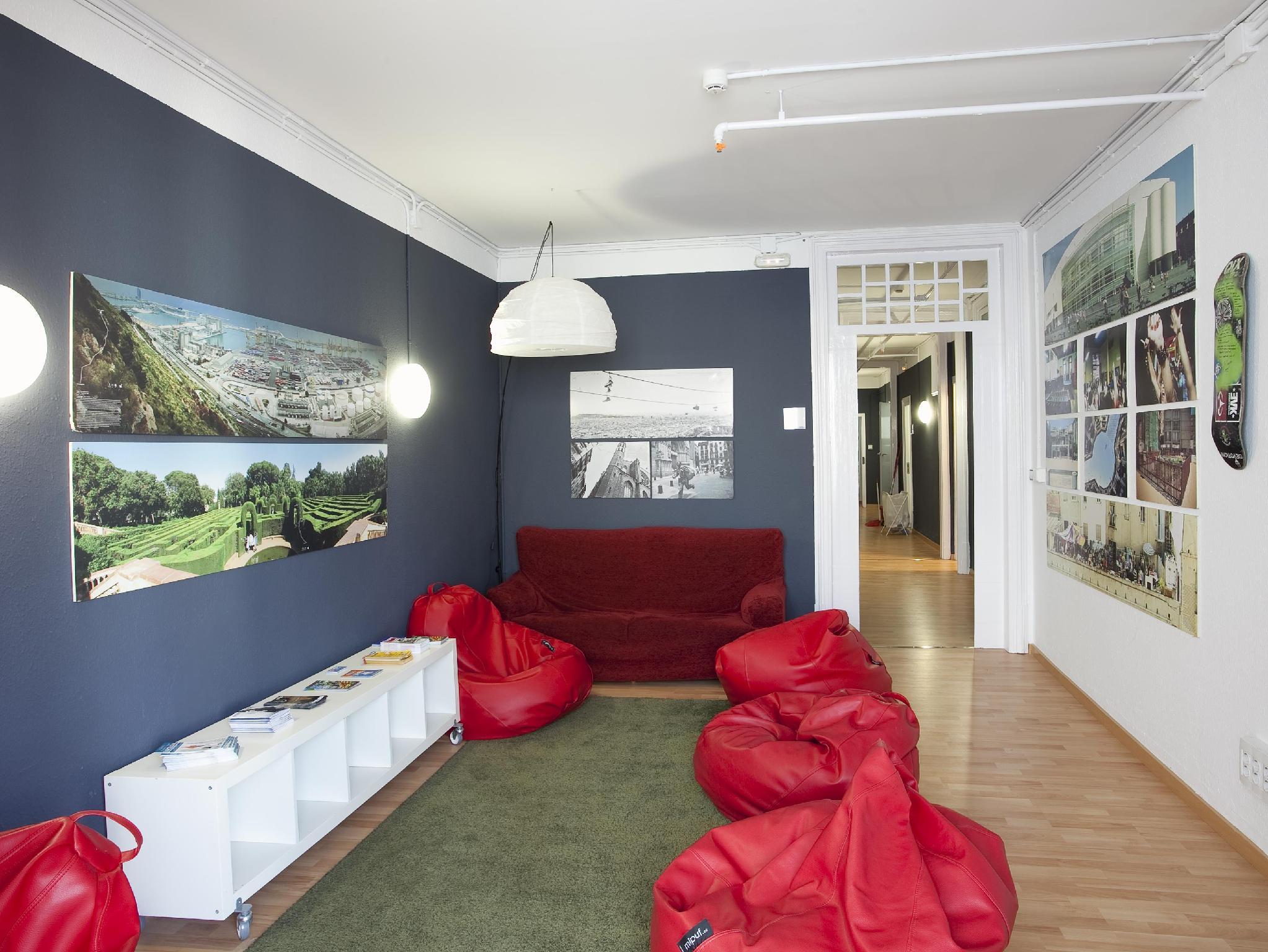 Sant Jordi Hostels Alberg