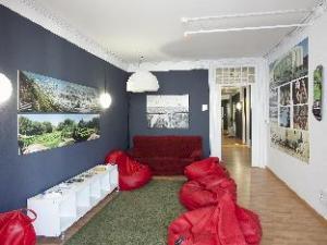 關於聖賀爾迪阿爾伯格青年旅館 (Sant Jordi Alberg Hostel)