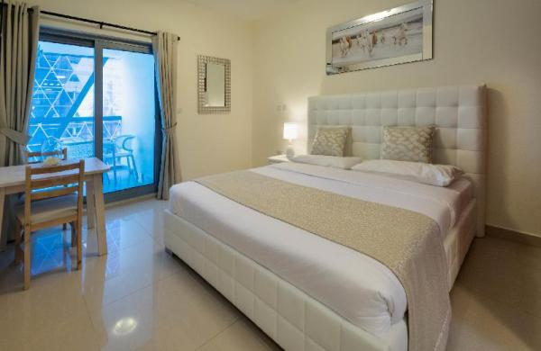 Studio in Park Towers by Deluxe Holiday Homes Dubai