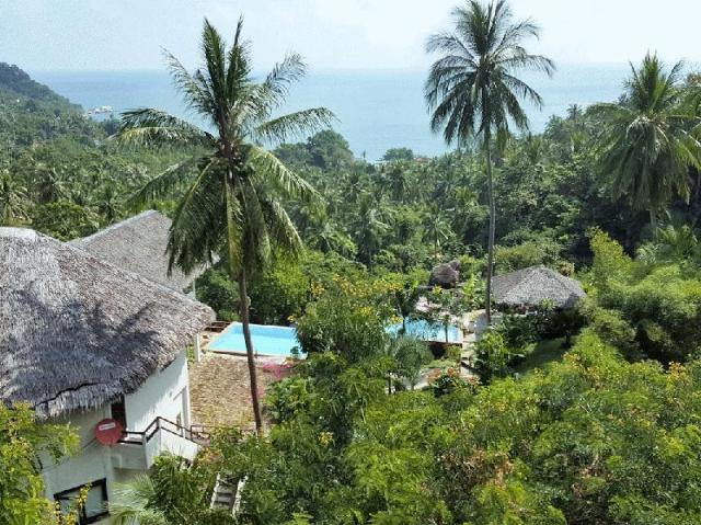Huge Villa/ accommodates 30 Guests – Huge Villa/ accommodates 30 Guests