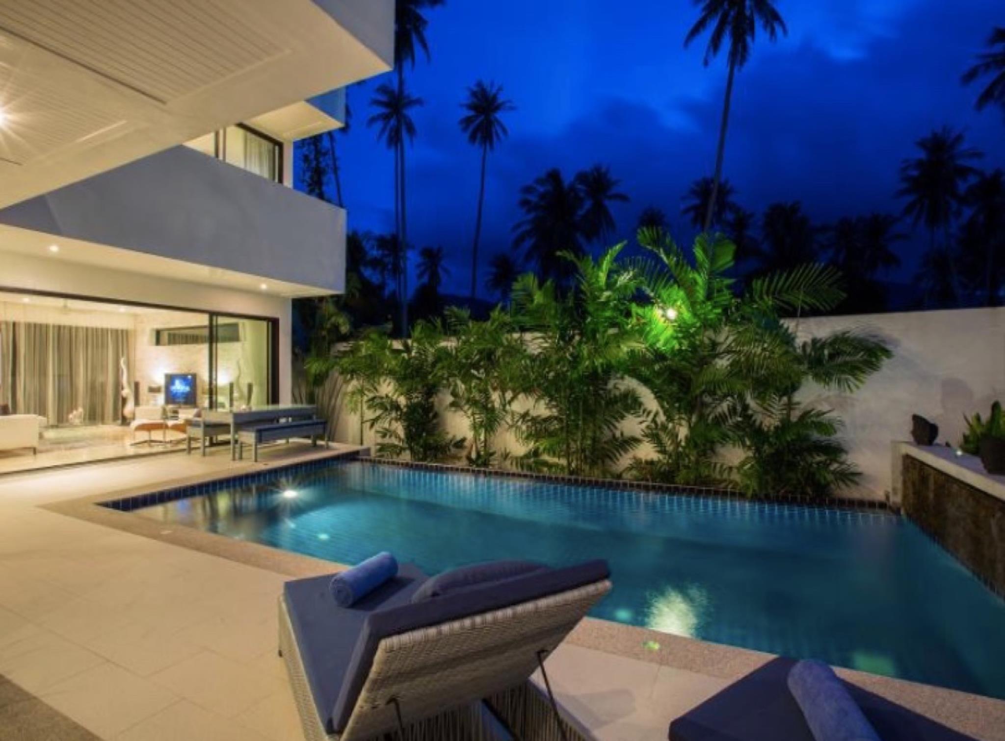 3 Bedroom Luxury 5* Villa   5 Mins Walk To Beach