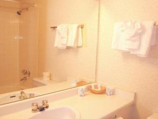 Howard Johnson Hotel - Victoria Victoria (BC) - Bathroom