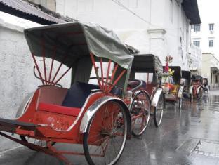 Bayview Hotel Georgetown Penang - Trishaws