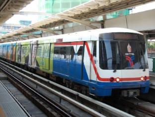 Glow Trinity Silom Bangkok - Nearby Transport