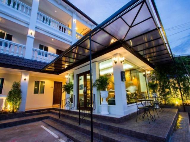โรงแรมเดอะไลอ้อนคิง – The Lion King Hotel