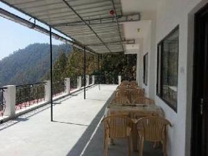 Bright Sunny Pines & Resort