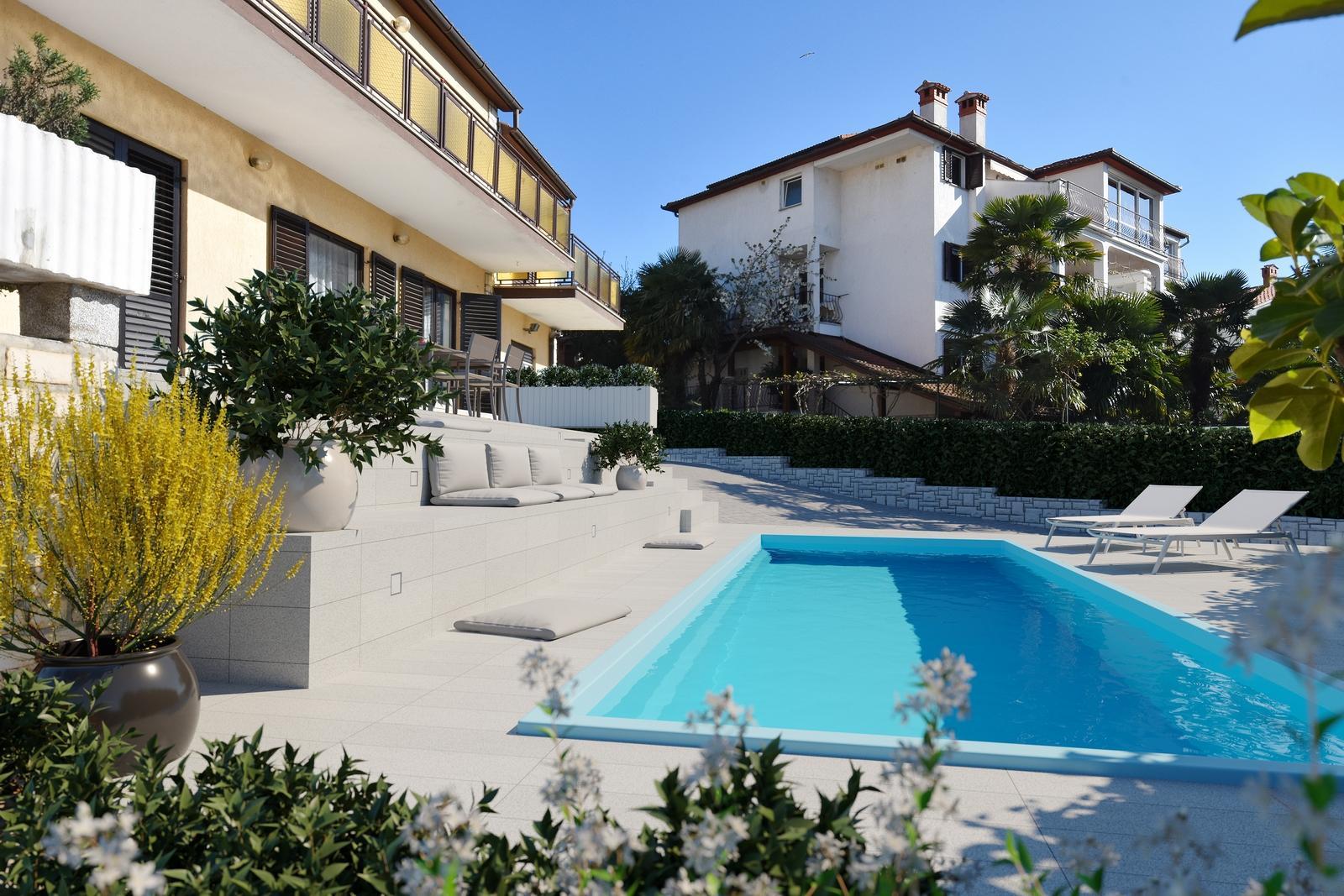Boris Family Resort With Pool
