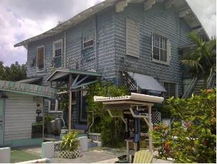 /arawak-inn/hotel/nassau-bs.html?asq=jGXBHFvRg5Z51Emf%2fbXG4w%3d%3d