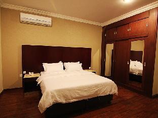 Flora Hotel Suites