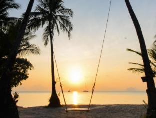 Paradise Koh Yao Resort Phuket - Beach swing
