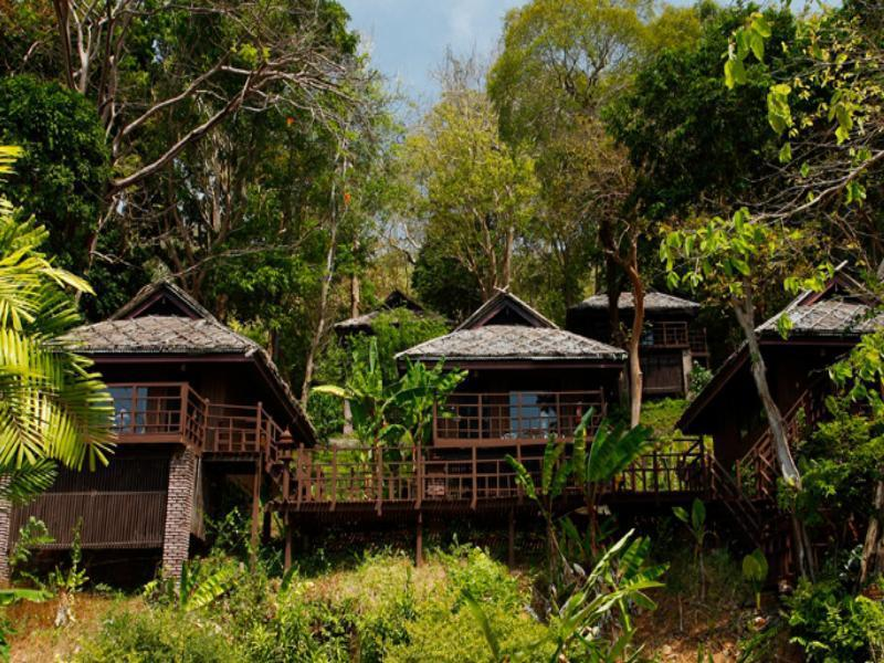 Baan Krating Phuket Resort บ้านกระทิง ภูเก็ต รีสอร์ท