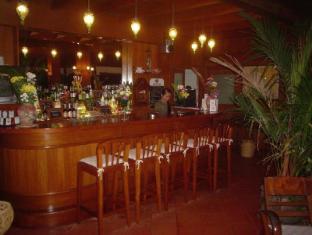Baan Mai Cottages and Restaurant Phuket - Restaurant