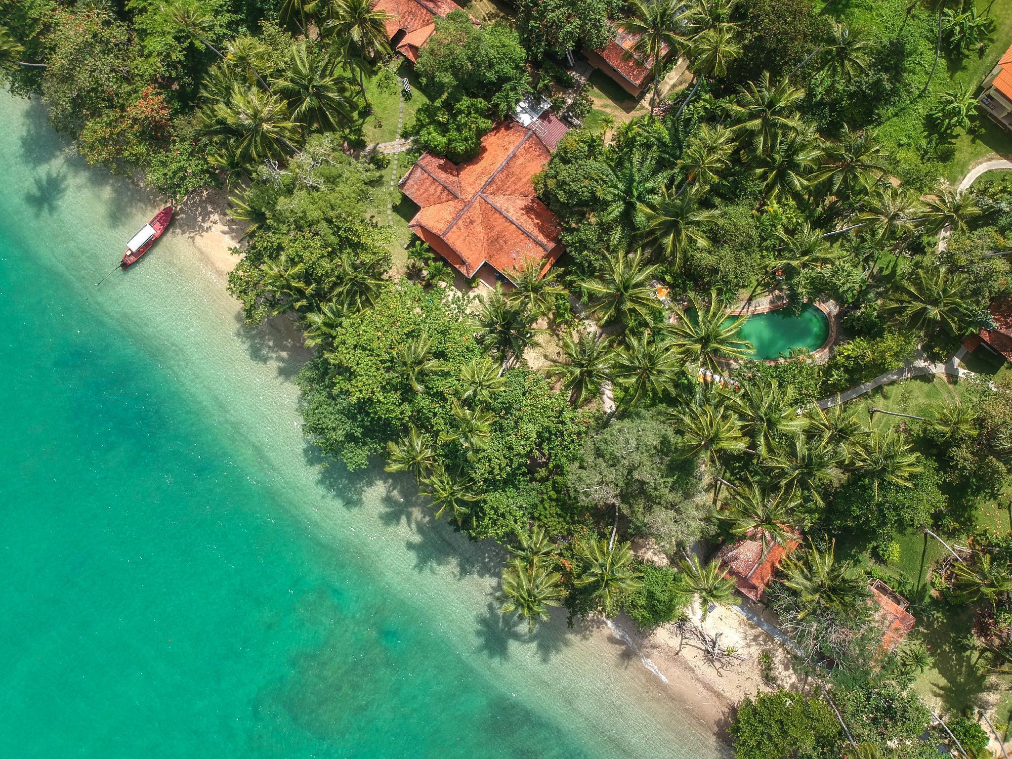 Baan Mai Beachfront Phuket บ้านไม้ บีชฟรอนท์ ภูเก็ต